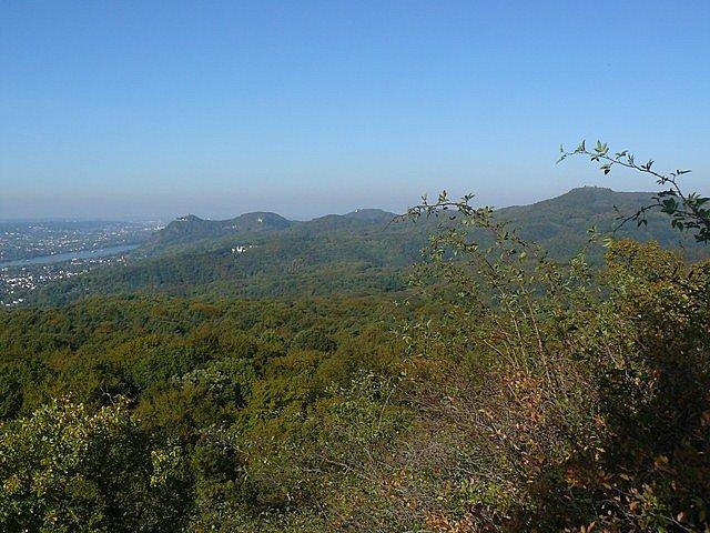 Blick über das Siebengebirge ins Rheintal